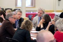 Groupe de personnes discutant lors de l'atelier