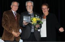 Claude Lessard, président du Conseil supérieur de l'Éducation, Paul Bélanger, lauréat du prix Émile Ollivier 2011, Léa Cousineau